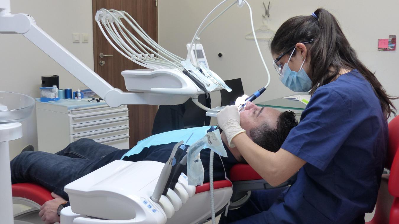 Quels sont les modèles de prothèse dentaire disponibles?